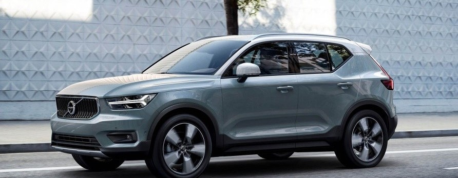 VOLVO XC40 D4 AWD GEARTRONIC MOMENTUM 140KW